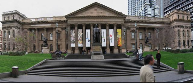 http://commons.wikimedia.org/wiki/File:Vic_State_Library_Facade_Pano,19.07.06_edit1.jpg